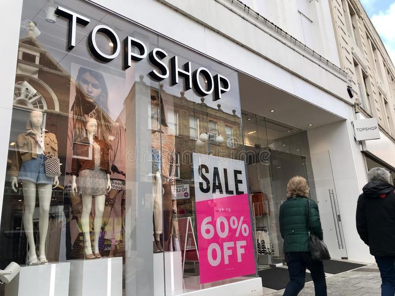 Loja de Topshop imagem de stock royalty free