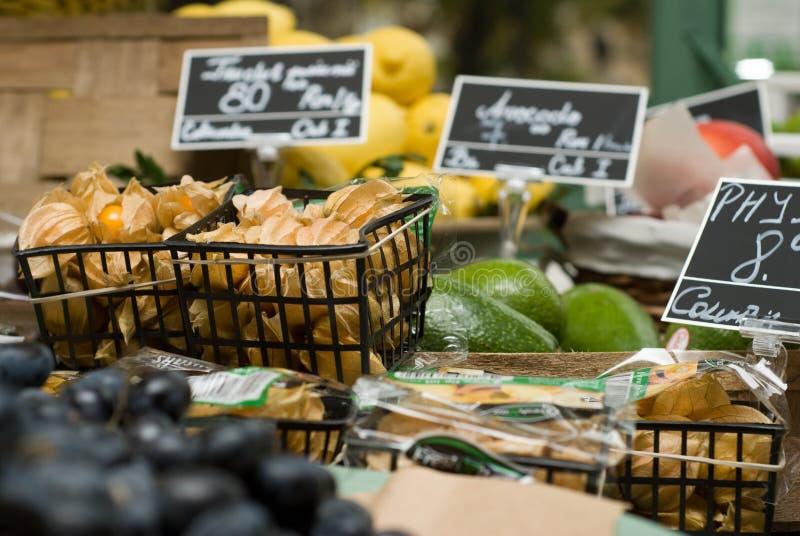 Loja do fruto & dos vegetais fotografia de stock