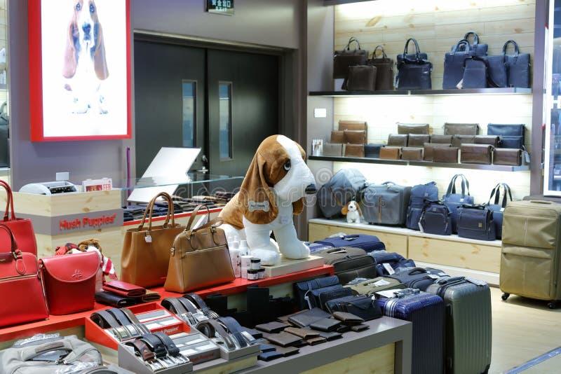 Loja do saco de Hush Puppies fotografia de stock royalty free