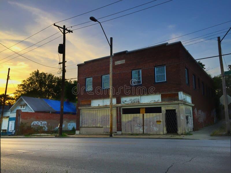 Loja fechado no canto no por do sol 01 fotos de stock