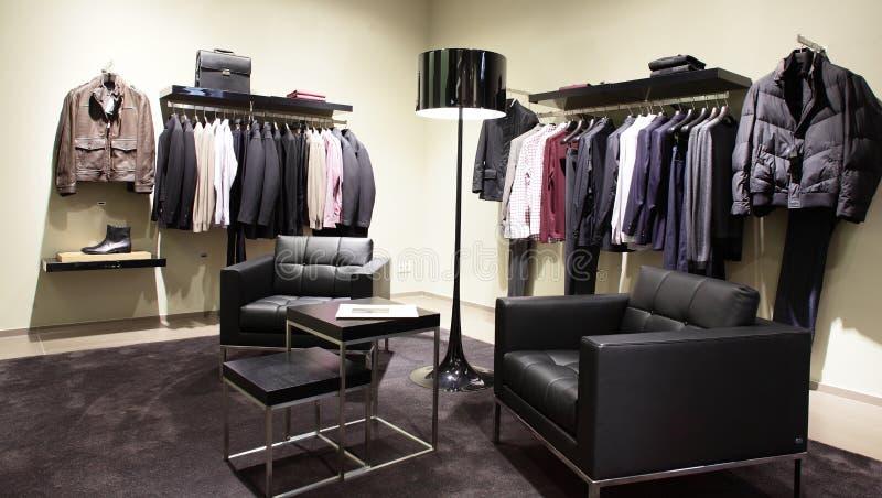 Loja moderna e da forma da roupa fotografia de stock