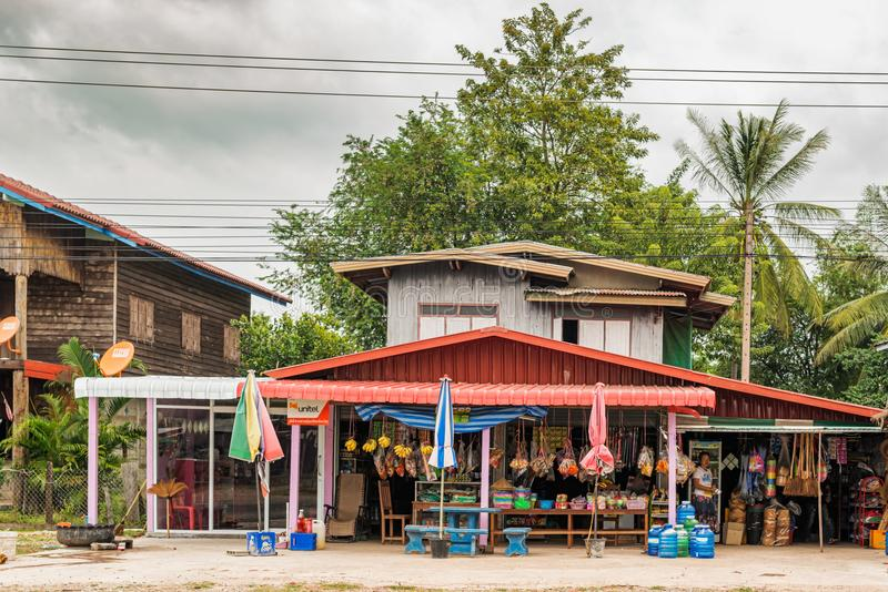 Loja na estrada a Savannakhet, Laos imagens de stock royalty free
