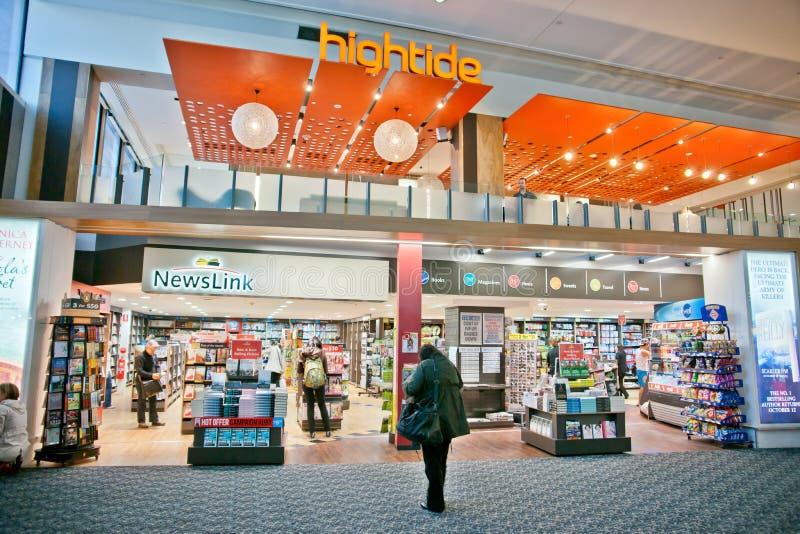 Loja no aeroporto fotos de stock royalty free