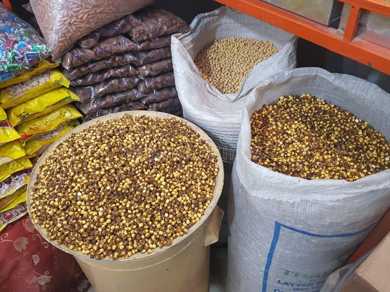 Loja seca do fruto em Quetta, Paquistão fotografia de stock