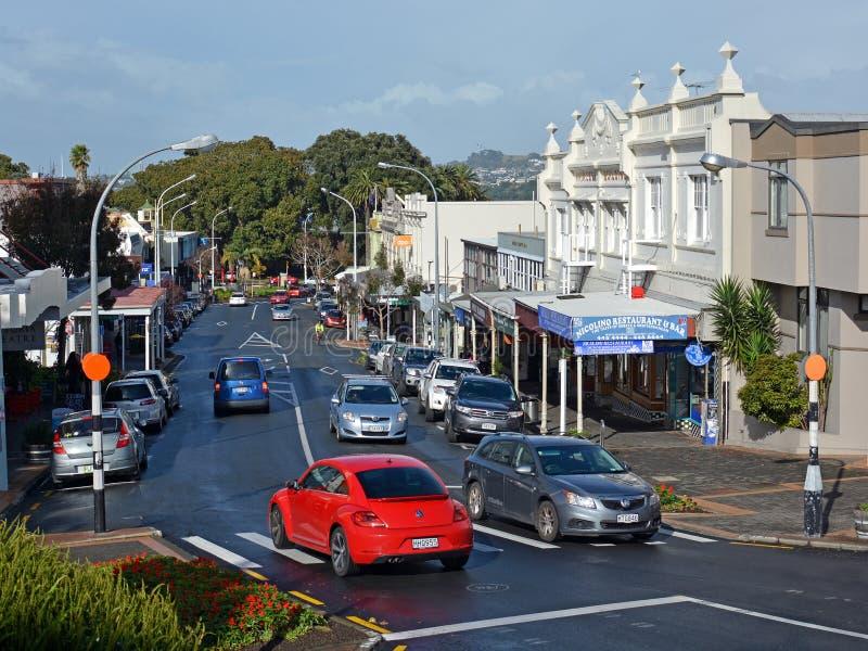 Lojas, cafés & Main Street de Devonport, Auckland imagem de stock