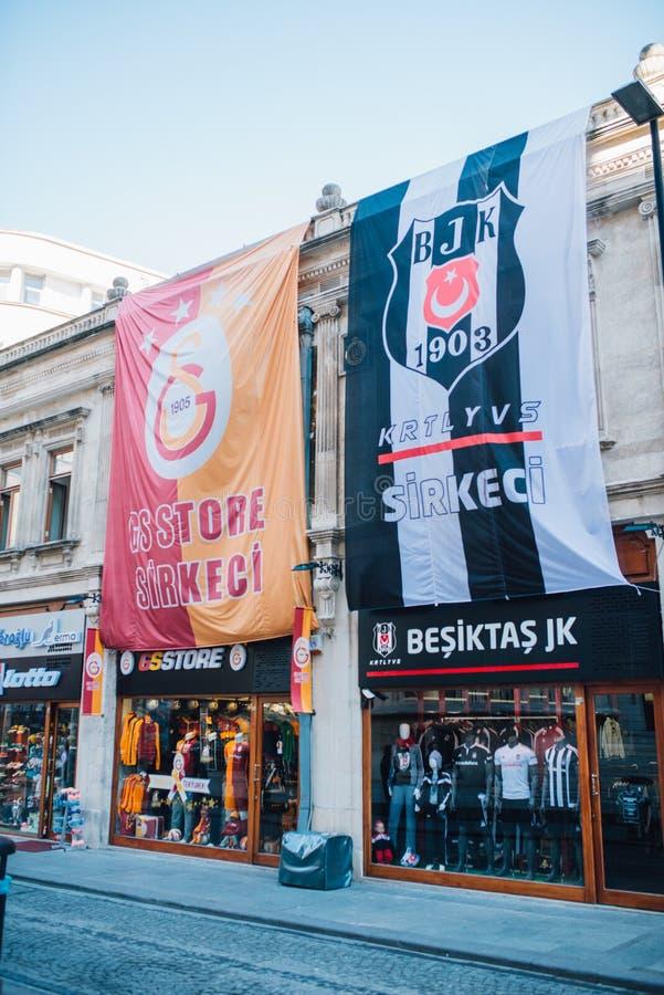 Lojas footbal turcas do fã imagem de stock royalty free