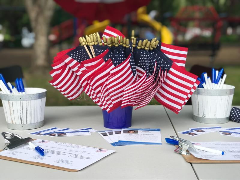 Lokal politisk väljareAmerika flagga arkivbilder