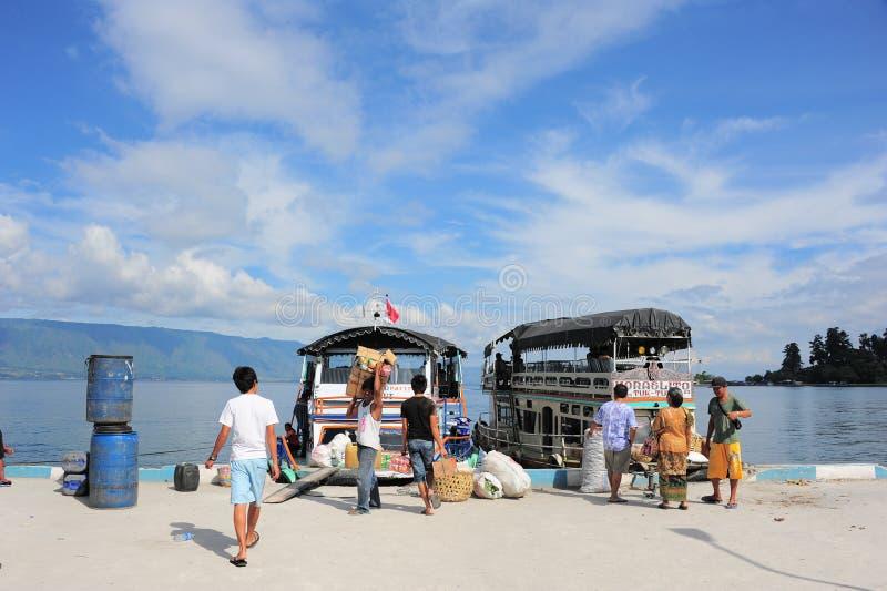 Lokale Haven bij Meer Toba stock foto's