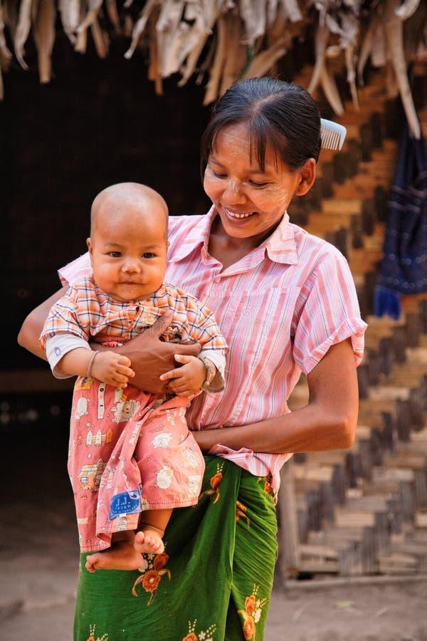 Lokale Leute auf Myanmar lizenzfreie stockfotos