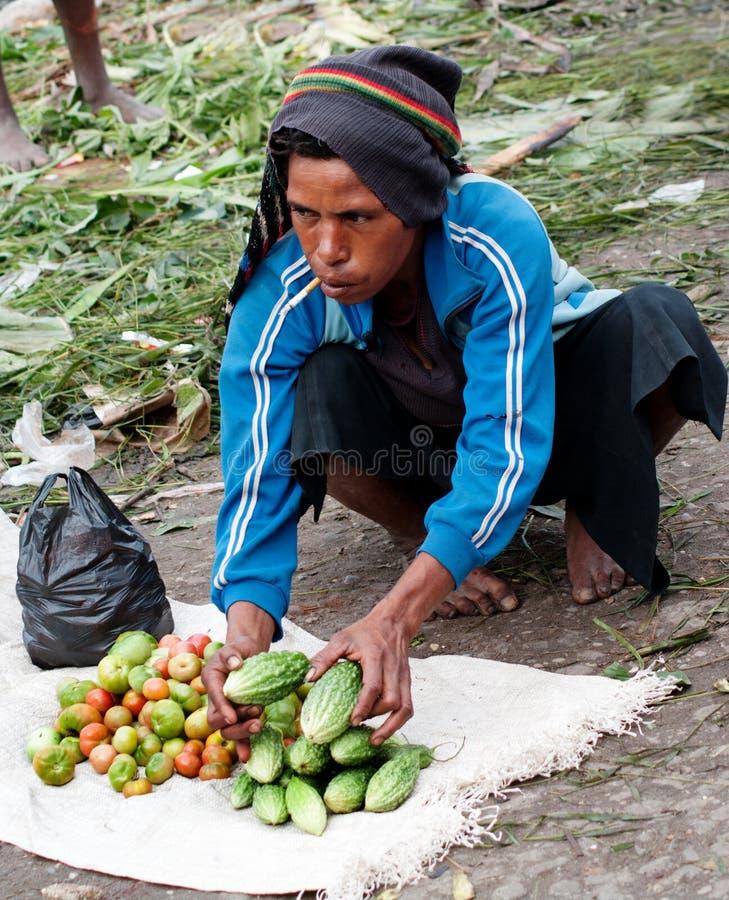 Lokale markt in Wamena, op het Eiland van Nieuw-Guinea stock foto