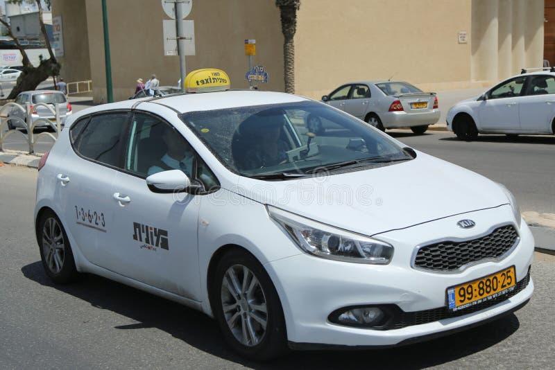 Lokale taxi bij de straat van Bier Sheba, Israël stock afbeeldingen