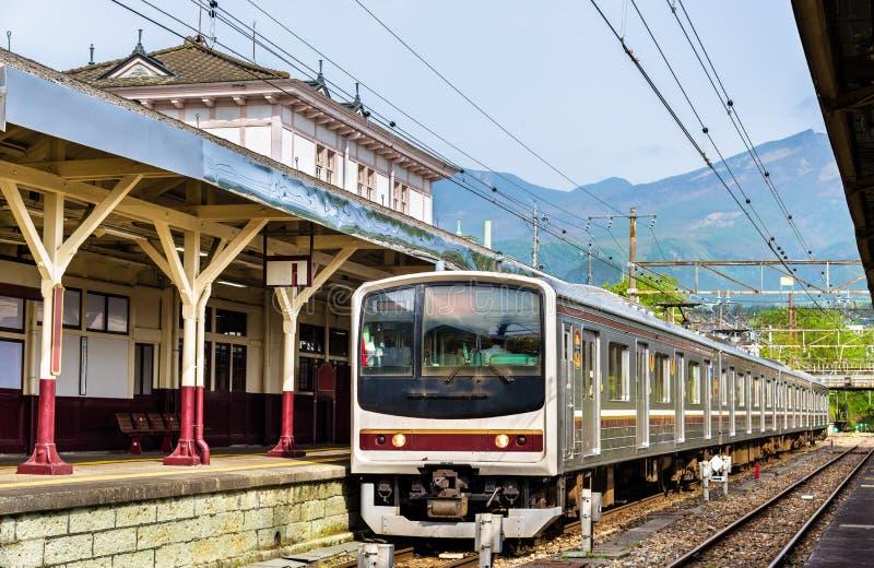 Lokale trein bij Nikko-station - Japan royalty-vrije stock afbeeldingen