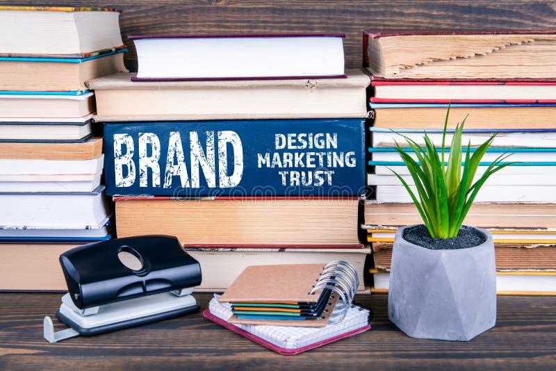 Lokalisiert auf white Entwurf, Marketing und Vertrauen lizenzfreies stockfoto