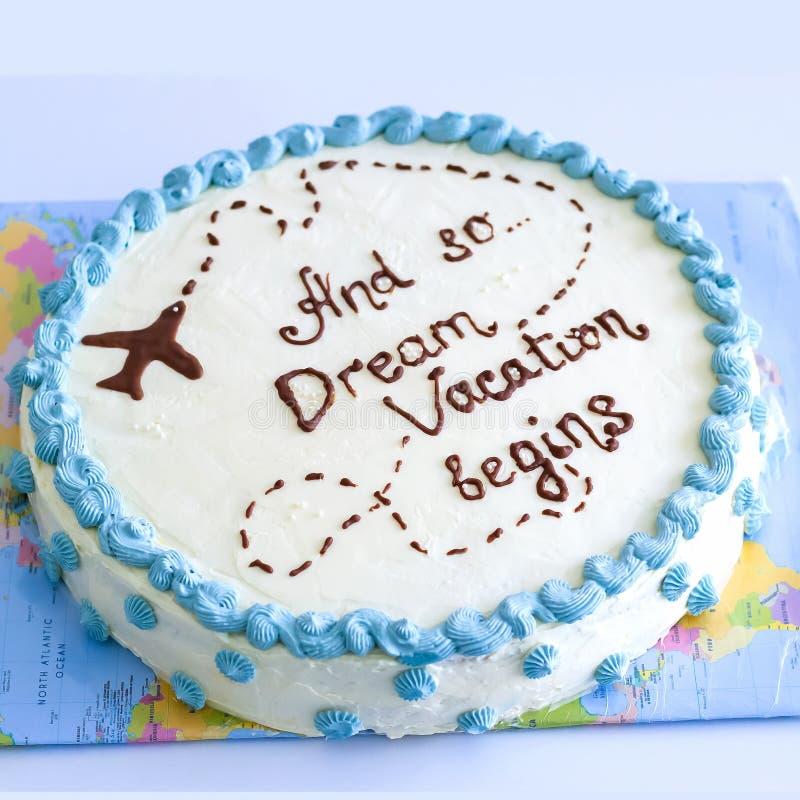 Lokalisierter festlicher Vanillekuchen mit Buttercreme mit Aufschrift Ansicht von oben Heller Hintergrund stockbilder