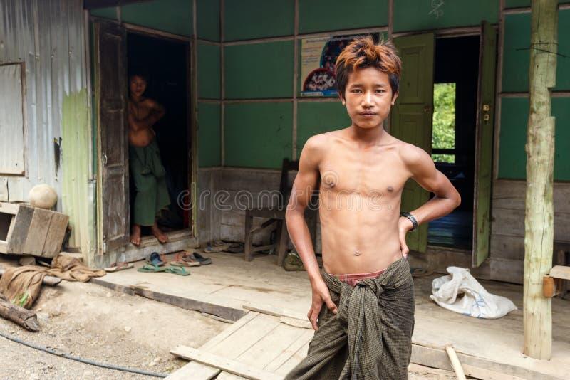 Lokalna młodość w podbródka stanie, Myanmar obrazy royalty free