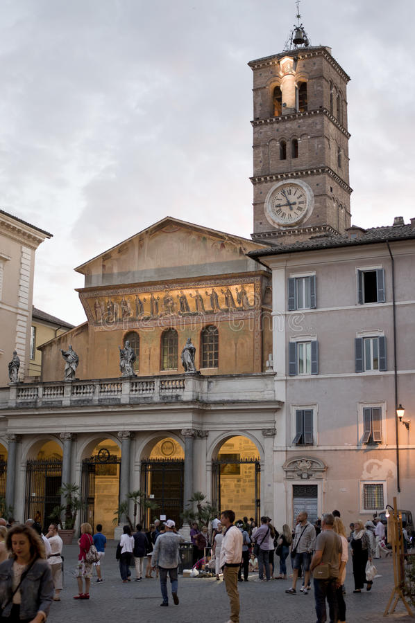 Lokalt liv i Trastevere arkivfoton