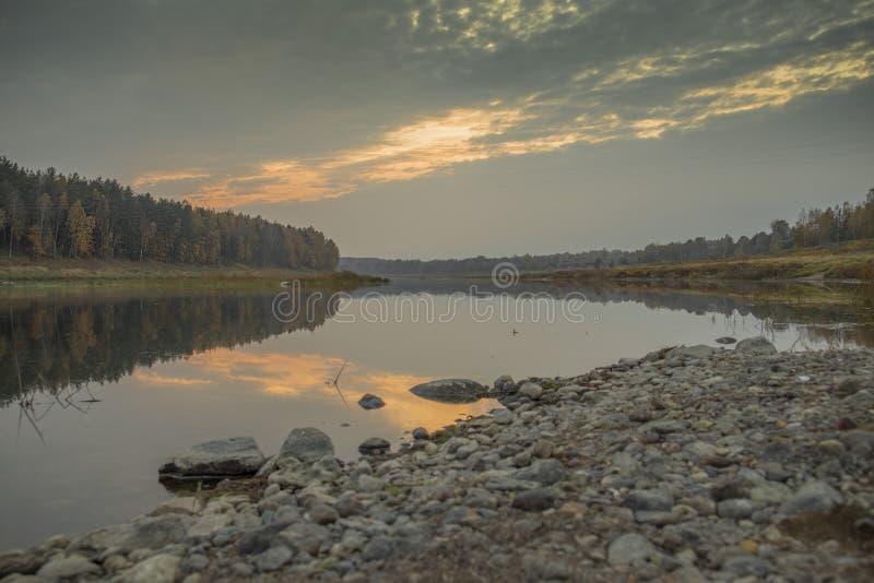 Loki de los Daugavas de la reserva de naturaleza en el Daugava del río en Letonia imagen de archivo libre de regalías