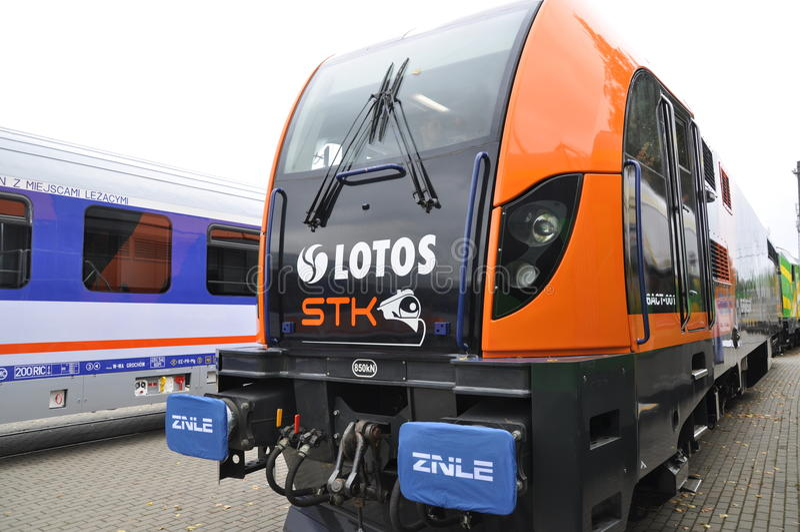 lokomotiv för lastdrake e6act royaltyfria bilder