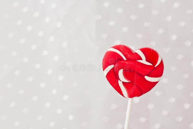 Lollipop στη μορφή καρδιών στοκ φωτογραφίες με δικαίωμα ελεύθερης χρήσης