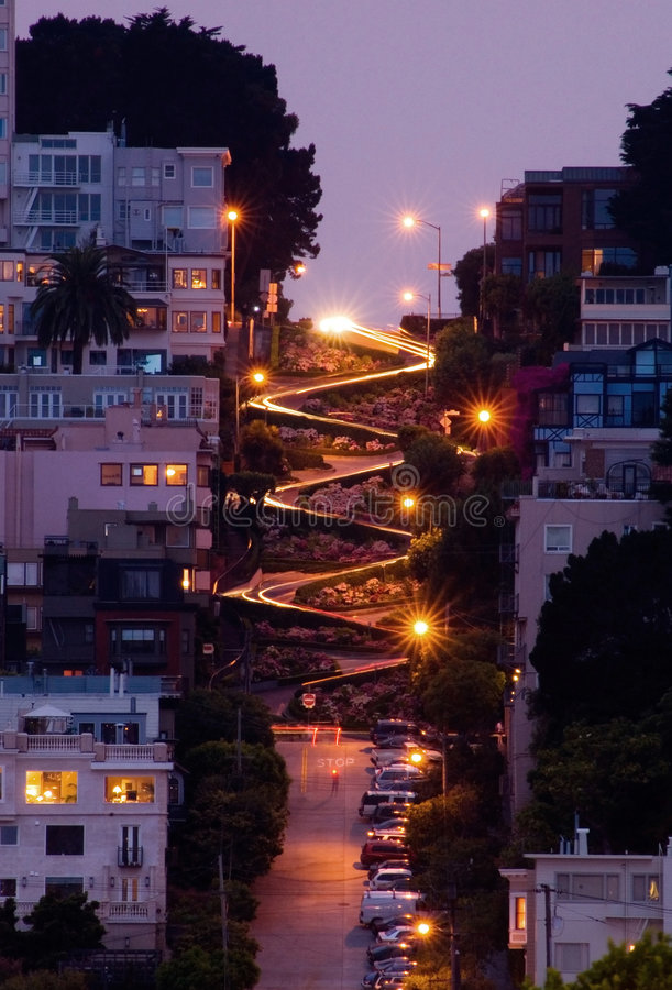 Free Lombard Street At Night Royalty Free Stock Photos - 1073788
