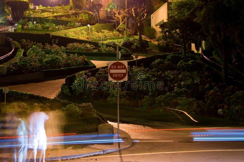 Lombard ulica przy nocą zdjęcie stock