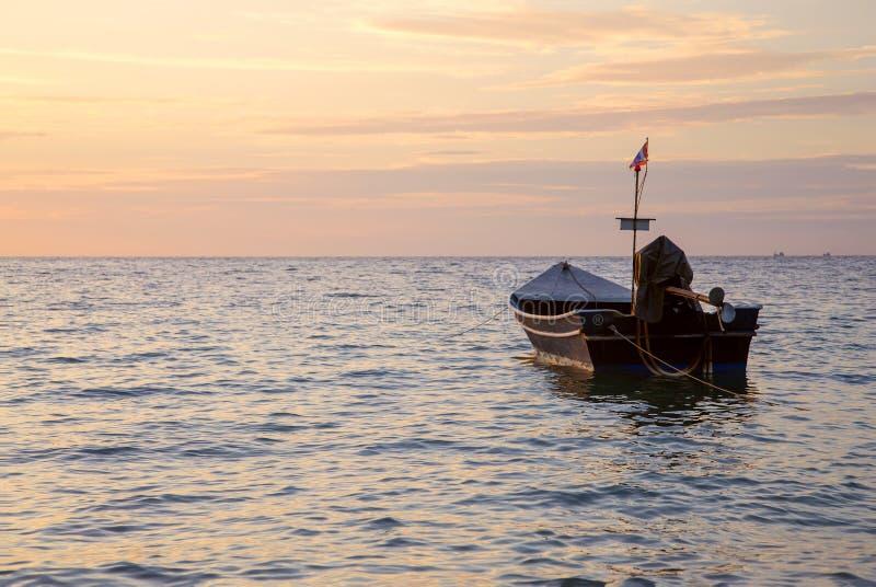 lombock острова Индонесии gili шлюпки около малого стоковые фото
