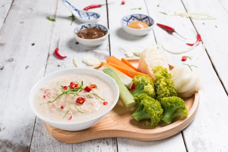 Lon Taochiao: соус и овощ соевого боба окуная стоковые фото