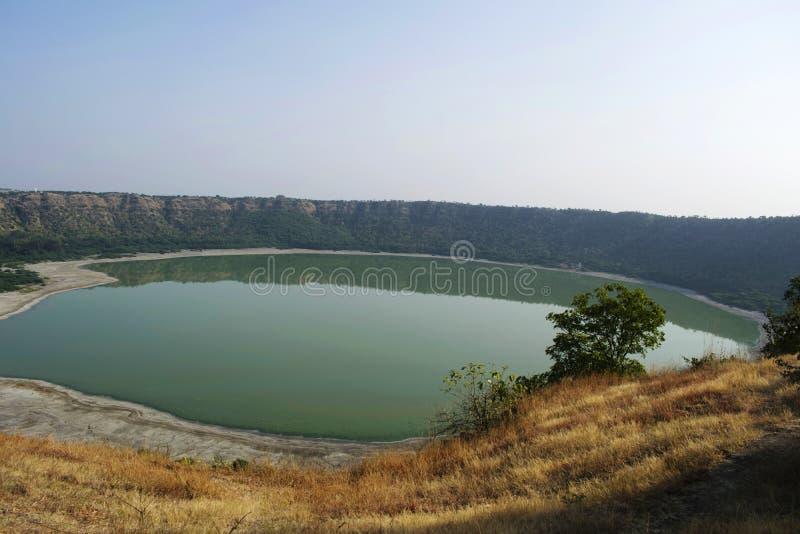 Lonar sjö, Lonar, Buldhana område, Maharashtra, Indien arkivfoto