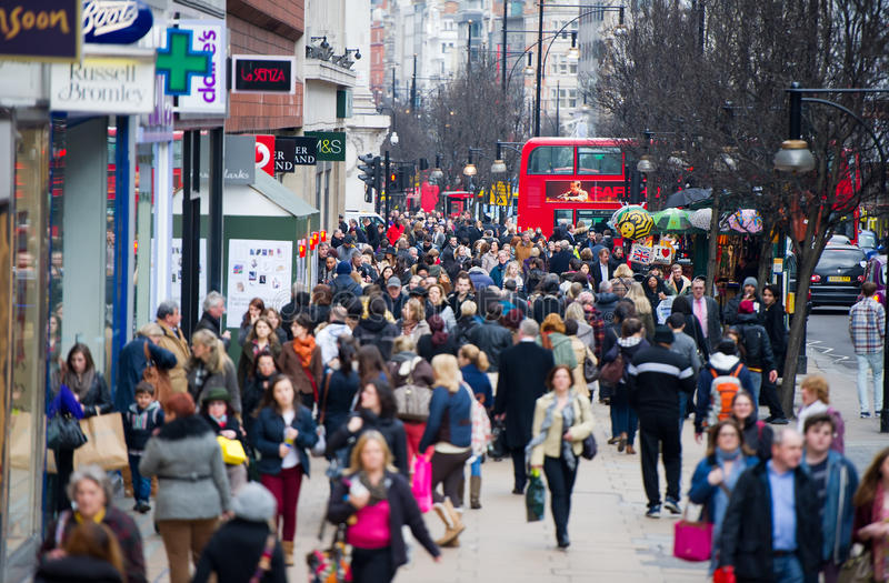Londen bij spitsuur - mensen die gaan werken royalty-vrije stock foto