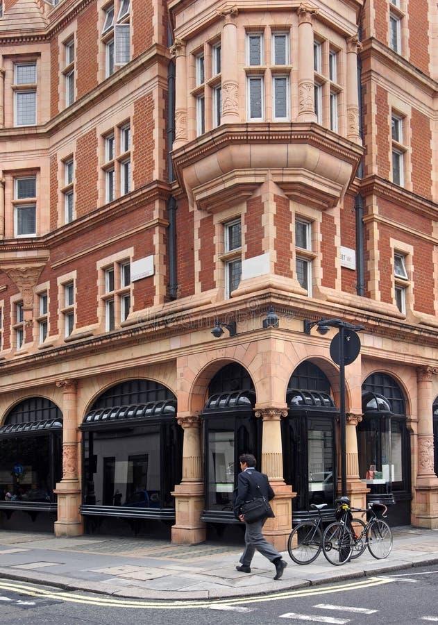 Londen, de Barokke stijl commerciële bouw in Mayfair royalty-vrije stock foto