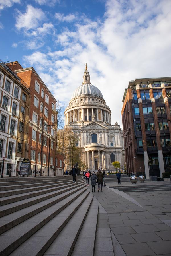 Londen, Engeland - APRIL 2, 2019: St Paul Cathedral in Londen royalty-vrije stock foto