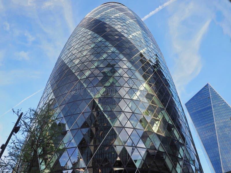 Londen, Engeland: 13 Mei 2019: Augurk die de Moderne Stad van bureaublokken van Londen bouwen stock foto