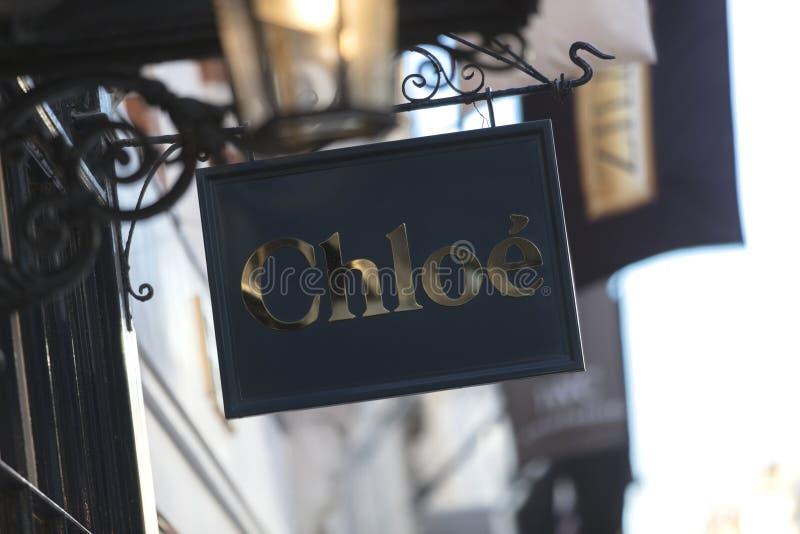 Londen, Groot Londen, het Verenigd Koninkrijk, 7 Februari 2018, a-teken en embleem voor Chloe op Bond Street royalty-vrije stock afbeelding