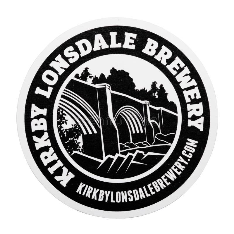LONDEN, HET UK - 04 FEBRUARI, 2018: De Brouwerij beermat onderlegger voor glazen van Kirkbylonsdale op wit wordt geïsoleerd dat vector illustratie
