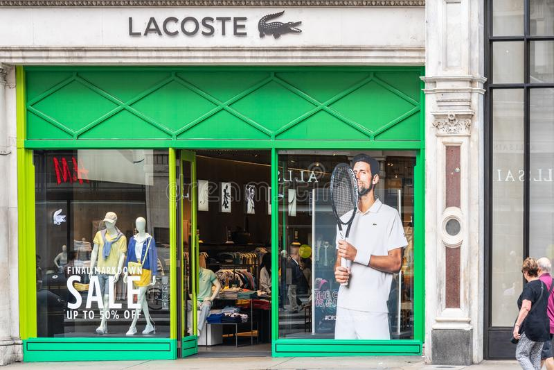 Londen, het UK, 14 Juli, 2019 Lacoste Regent Street, Mayfair Londen stock afbeeldingen