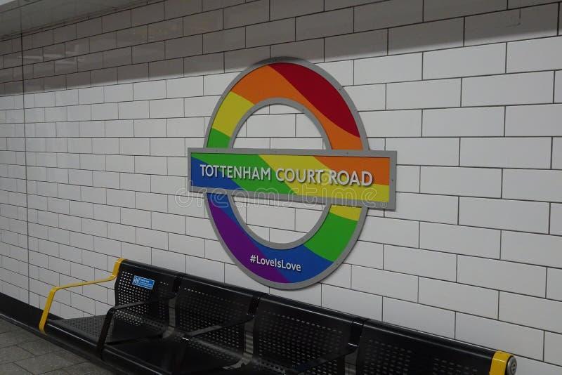 Londen, het UK, 7 Juli, 2015 Londen Ondergronds Pride Logo royalty-vrije stock foto's