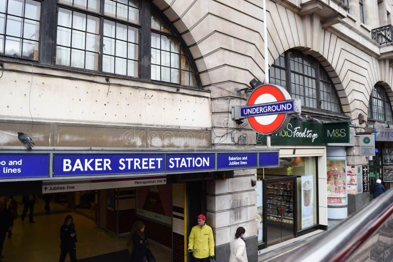 LONDEN, het UK - 17 Oktober, 2017: Baker Street de buispost is een post ondergronds op Londen Baker straatpost stock foto's
