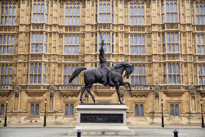LONDEN, WESTMINSTER, het UK - 05 APRIL, 2014 Huizen van het Parlement en het Parlement toren, mening van Abingon St royalty-vrije illustratie
