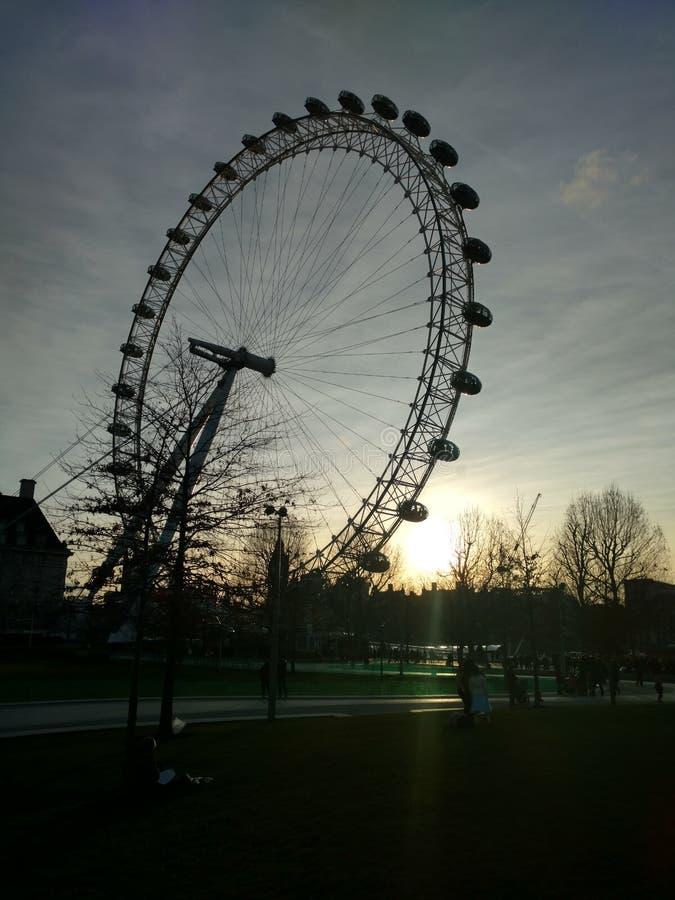 London ögonsolnedgång fotografering för bildbyråer