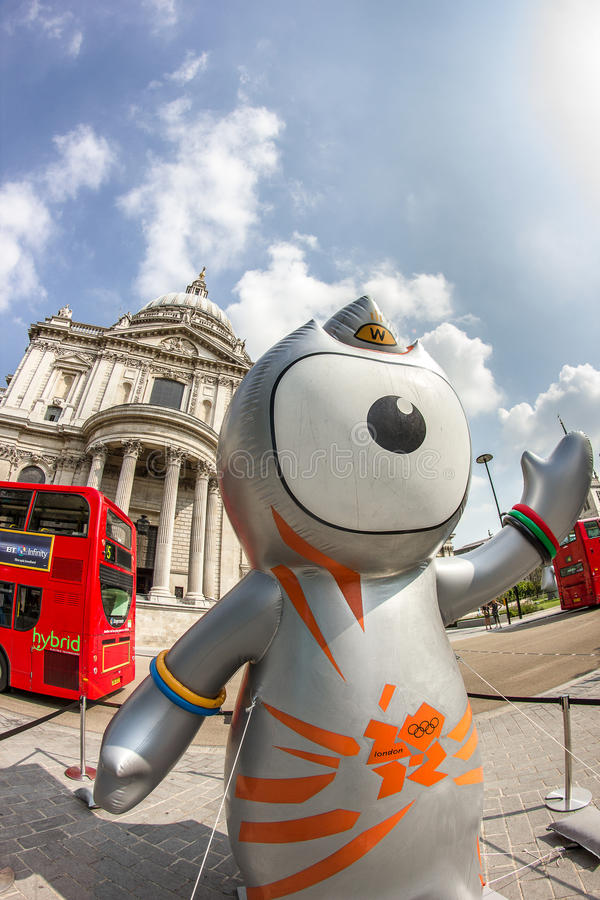 Download London 2012 Olympics Mascot Editorial Stock Image - Image: 26445099