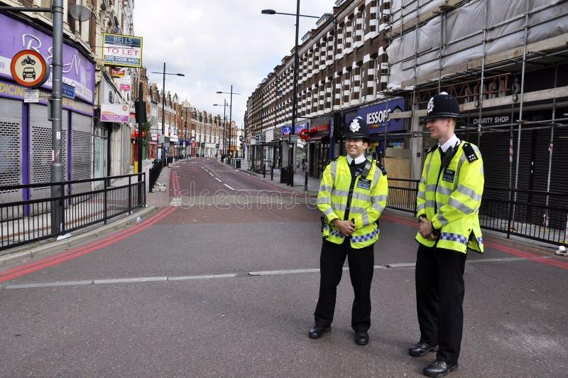 LONDON - 9. AUGUST: Clapham Verzweigungsbereich ist sacke lizenzfreie stockfotografie