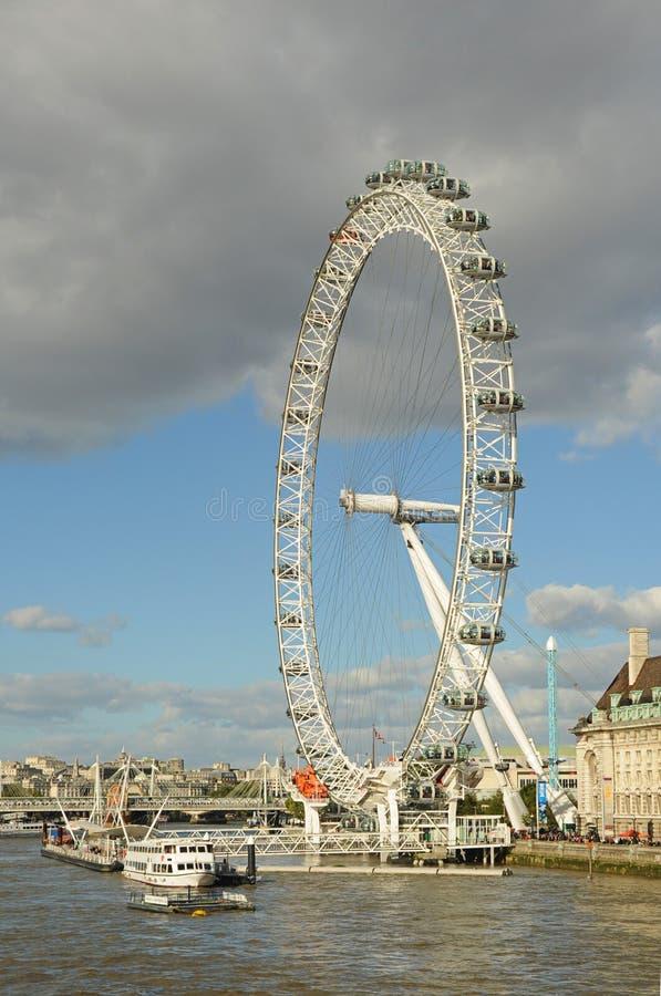 London-Auge, die Themse, London, Vereinigtes Königreich stockbild