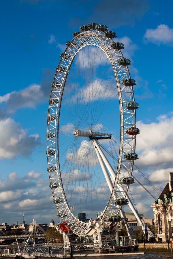 London-Auge an einem sonnigen Tag stockfotografie
