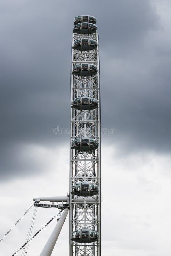 London-Auge flach von der einer Seite stockbild