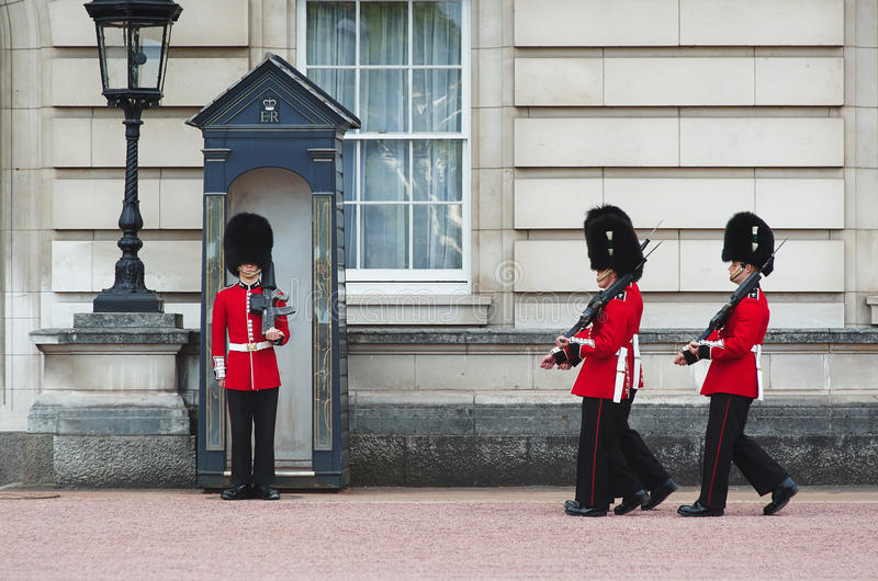 LONDON - AUGUST 8, 2015: Changing of the guard in Buckingham Palace. royalty free stock photos