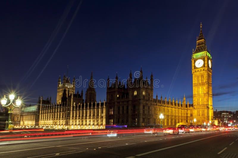 London Big Ben och hus av parlamentet arkivbilder