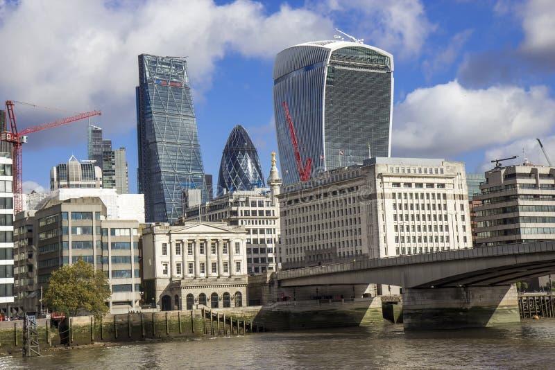 London-Brücke, Straße Königs William lizenzfreies stockbild