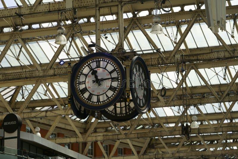 London Bridge Train Station klocka royaltyfri foto