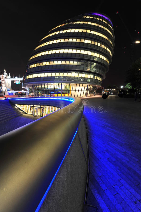London City Hall at night. Modern architectural lines of the London city hall - night scene royalty free stock images