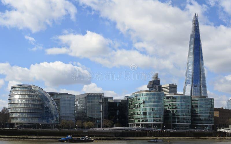 London Cityscape, inklusive stadshus arkivbild
